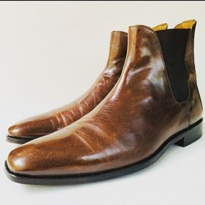 Barneys New York Italian Leather Chelsea Boots